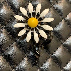 Vintage Floral Enamel Daisy Floral Retro Brooch